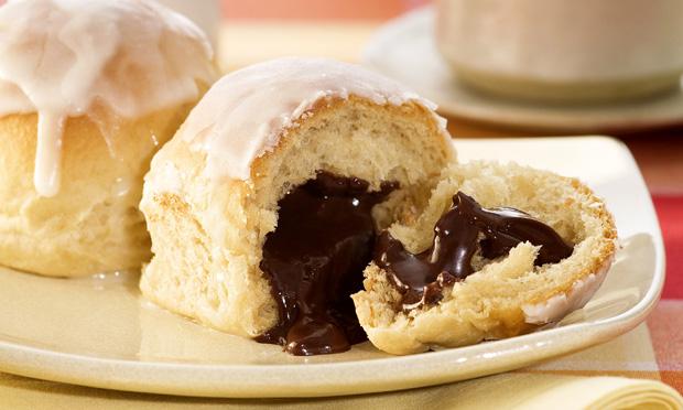 Pãozinho de café com recheio de chocolate