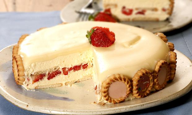 Torta holandesa de chocolate branco e morango