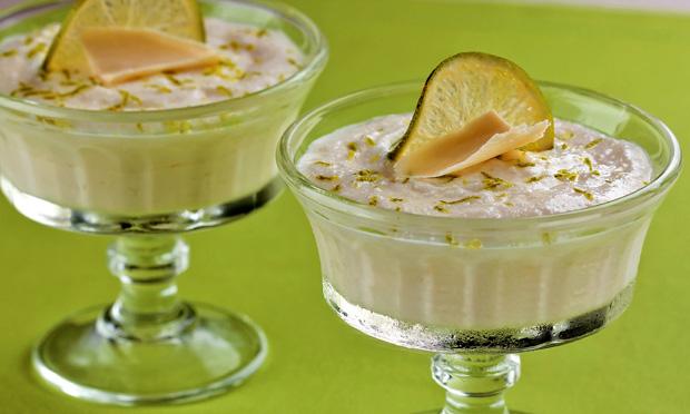 Mousse de chocolate branco e limão