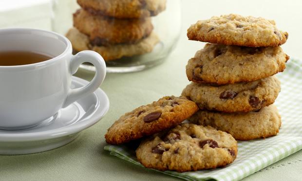 Cookie de leite condensado e gotas de chocolate