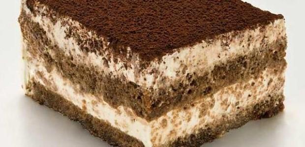 Bolo de chocolate branco e chocolate preto