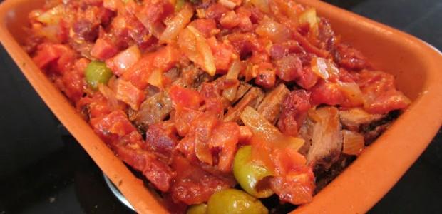 Picanha assada com molho de tomate