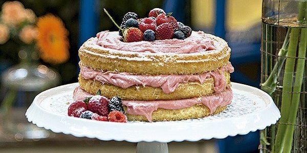 Naked cake de bicho de pé