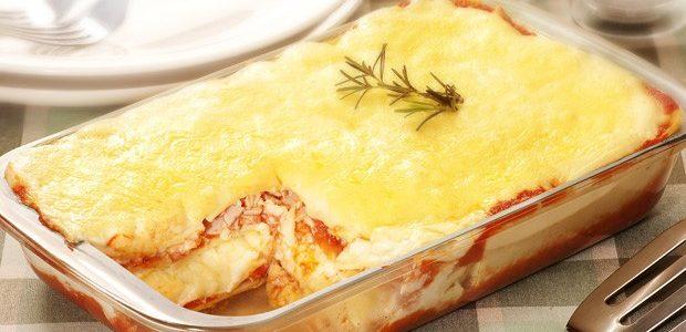 Lasanha de batata com queijo e presunto