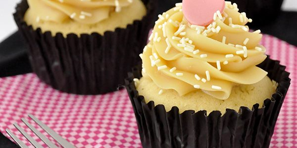 Cupcake de chocolate branco