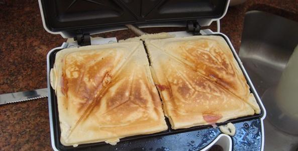 Crepe suíço na sanduicheira