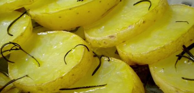 Batatas com Alecrim de Micro-ondas