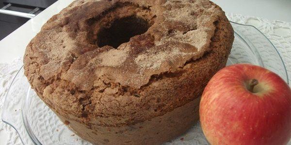 Bolo de canela e maçã