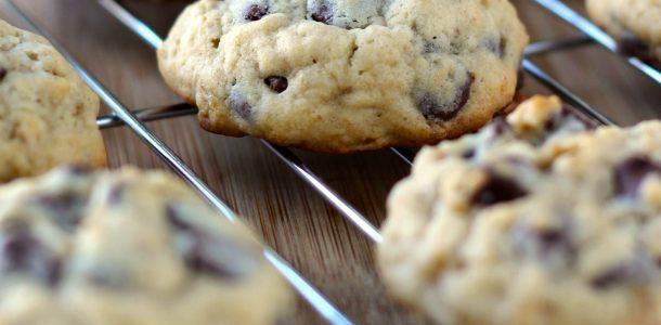 Cookies de banana e chocolate