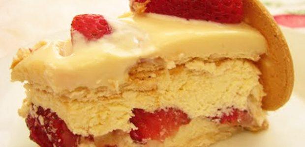 Torta de chocolate branco com morango