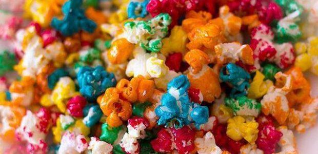Pipoca doce colorida