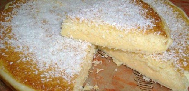 Torta cremosa de leite condensado e coco